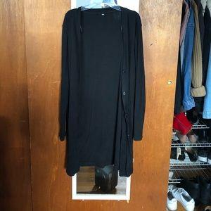 uniqlo black long sleeve cardigan with pockets